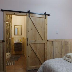 Log Cabin Self-catering bathroom